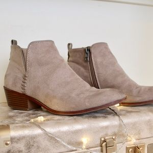Lightly Worn SAM & LIBBY Suede Ankle Boots w/heel